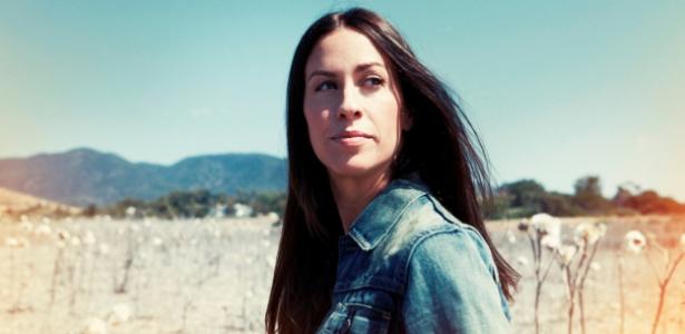 A cantora Alanis Morissette, que virá ao Brasil em setembro para uma série de shows