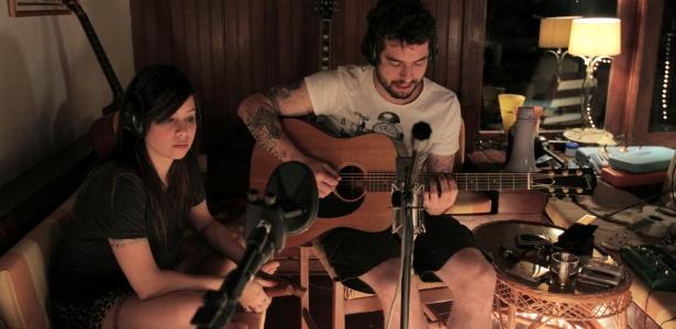 A dupla Agridoce, formada por Pitty e o guitarrista Martin
