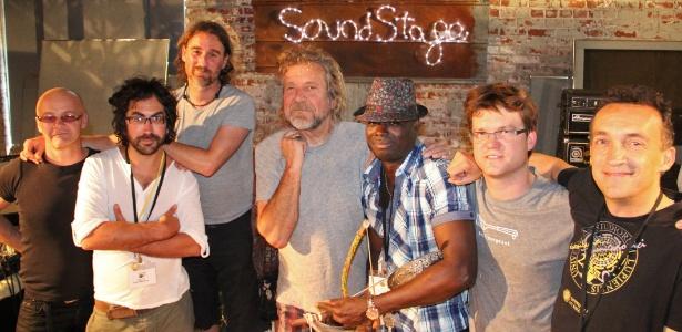 Robert Plant e sua banda nova, o The Sensational Space Shifters, que se apresentam no Brasil em outubro