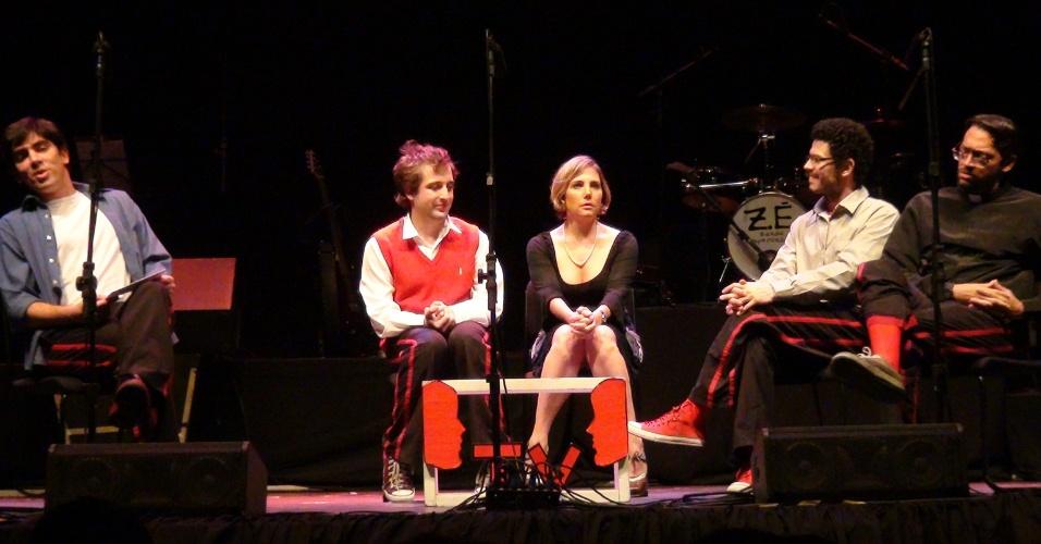 Marcelo Adnet e Heloísa Perissé no espetáculo