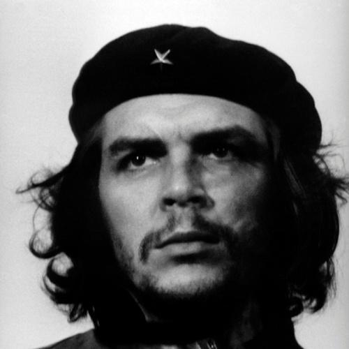 """A icônica imagem de Che Guevara feita por Alberto Korda está na exposição """"Cuba, Mucho Gusto"""", em Brasília"""