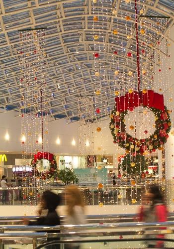 A visitação à decoração de Natal do Palladium Shopping Center é gratuita, e pode ser conferida de segunda a sexta-feira, das 11h às 23h, aos sábados das 10h às 22h, e os domingos, das 11h às 23h. O shopping fica localizado na Avenida Presidente Kennedy, 4121, Portão. O site é www.palladiumcuritiba.com.br e o telefone é 41 3082-5303.