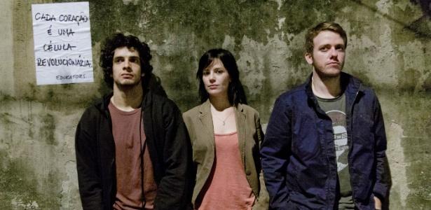 Fabrício Belsoff, Natália Lage e Pablo Sanábio estão na peça que estreia nesta sexta (18)