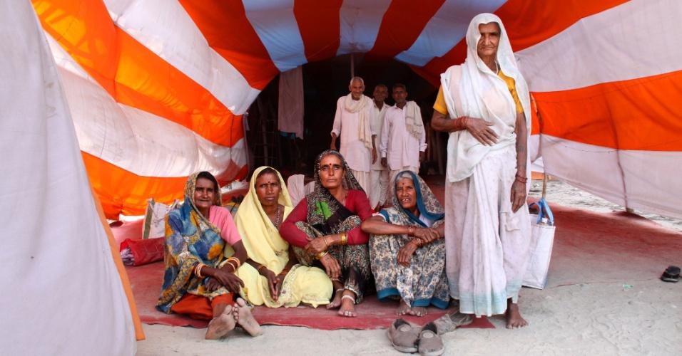 """Peregrinos em Kumbh Mela, Índia, Haridwar, em abril de 2010. A foto está na exposição """"Elas"""" na Caixa Cultural em São Paulo, de 2 de março a até 28 de abril"""