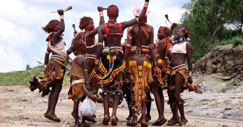 Ritual ukuli, em Turmi, na Etiópia, em novembro de 2011.