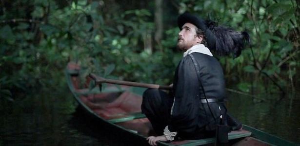 """Cena do filme """"Ex-isto"""" (2010), de Cao Guimarães, que traz o ator João Miguel na pele do filósofo francês René Descartes numa hipotética viagem ao Brasil."""