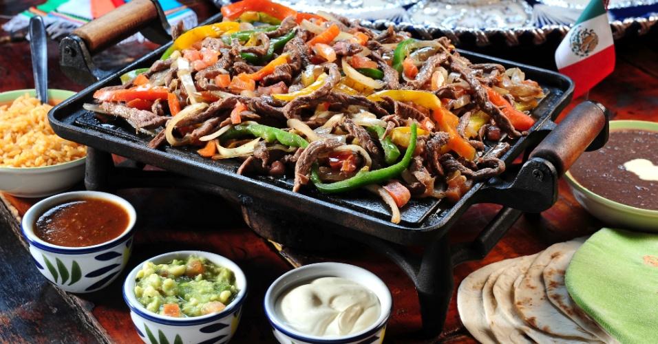 Nachos fajitas e burritos confira roteiro de for Servir comida