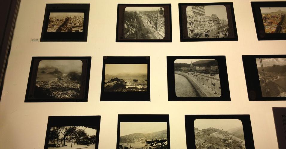 """Detalhes de fotografias antigas na sala da exposição """"Rio de Imagens: Uma Paisagem em Construção"""" no Museu de Arte do Rio (MAR)"""