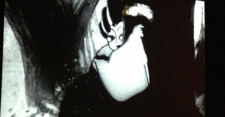 """Trecho do filme """"Princesa do Leque de Ferro"""" (1941) dos irmão Wan, pioneiros da animação chinesa. A obra exibida na mostra foi o primeiro longa-metragem animado chinês e está presente na exposição """"Movie-se No Tempo da Animação"""", no CCBB-RJ de 5 de fevereiro até 7 de abril de 2013"""
