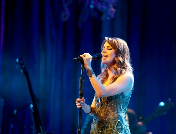 Sandy durante ensaio de sua nova turnê
