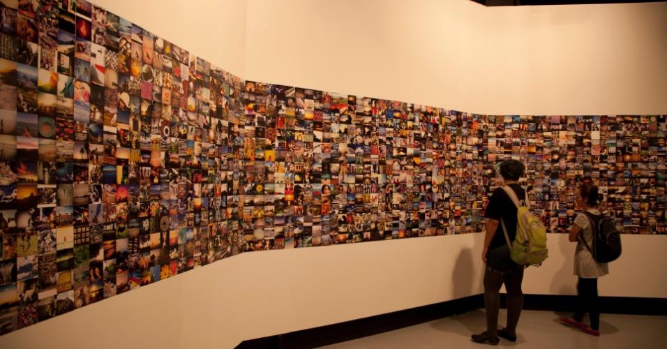 """Panorâmica dos """"instagrams"""" usedos na série """"INSTAMISSION"""", Centro Cultural Banco do Brasil, São Paulo, 2013"""